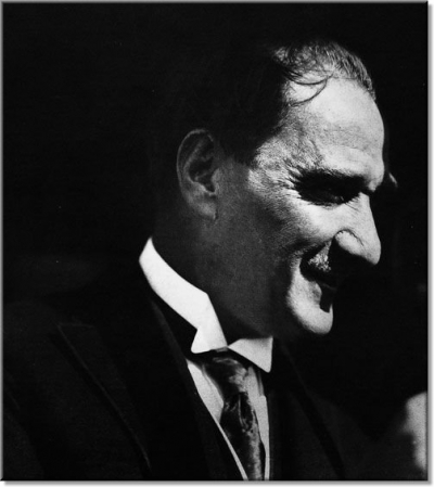 Büyük Komutan Gazi Mustafa Kemal ATATÜRK'ün Fotoğrafı